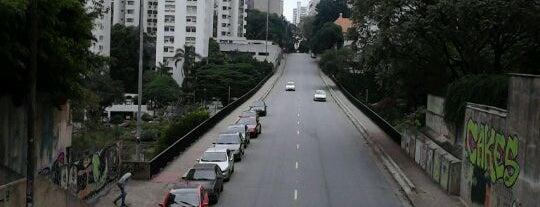 Rua Peixoto Gomide is one of Lieux qui ont plu à Tuba.