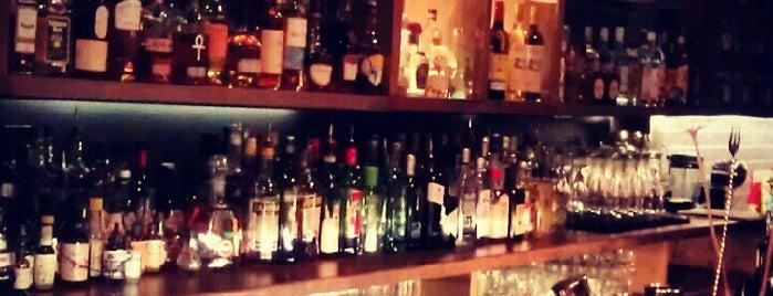 Σπίτι Cocktail Bar is one of A local's guide: 48 hours in Athens.