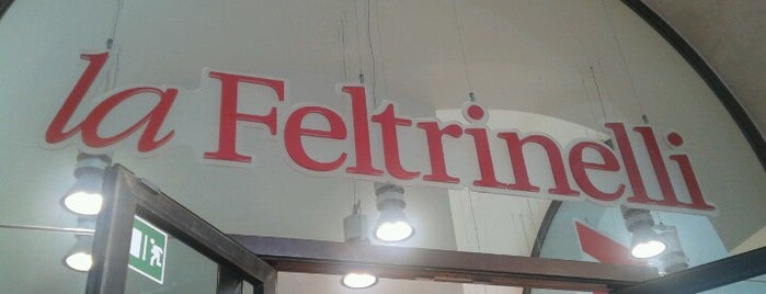 la Feltrinelli is one of Miei luoghi.