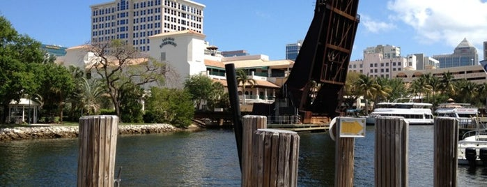 The Pirate Republic Seafood & Grill is one of Dock & Dine #VisitUS.