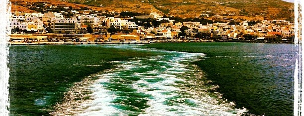 Port of Tinos is one of Locais curtidos por maria.
