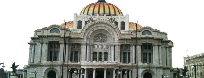 Palacio de Bellas Artes is one of Thigs to do in Mexico city.