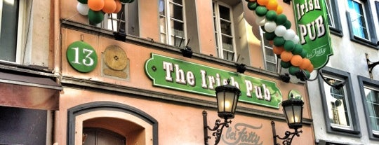 Fatty's Irish Pub is one of Locais curtidos por Volker.