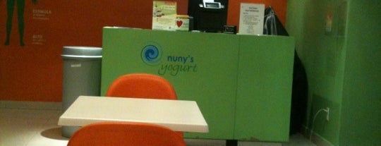 Nuny's Yogurt is one of Locais curtidos por Montse.