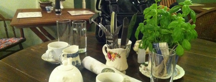 Bella Maria Cafe is one of Alexandraさんのお気に入りスポット.