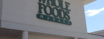 Whole Foods Market is one of Posti che sono piaciuti a Kevin.