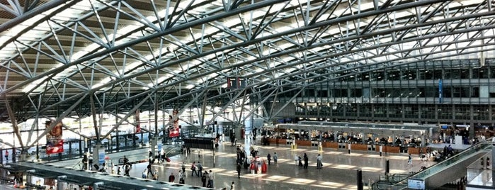 Hamburg Airport Helmut Schmidt (HAM) is one of Fav Deutsche Places.