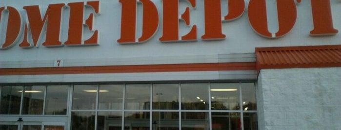 The Home Depot is one of Jms'ın Beğendiği Mekanlar.