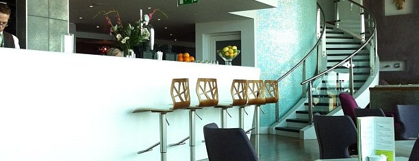 No.1 Traveller Lounge is one of Lugares favoritos de Martins.
