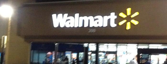 Walmart is one of barbee 님이 좋아한 장소.
