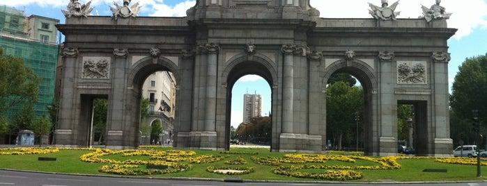 Puerta de Alcalá is one of Madrid Weekender.