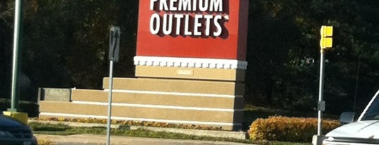 Hagerstown Premium Outlets is one of Lieux sauvegardés par Queen.