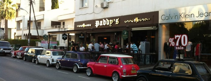 Paddy's Irish Restaurant & Pub is one of Orte, die Edje gefallen.