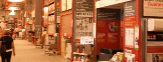The Home Depot is one of Tempat yang Disukai Nick.