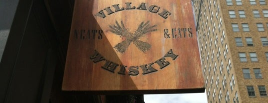 Village Whiskey is one of Orte, die Tim gefallen.