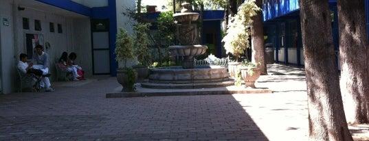 Facultad de Medicina is one of Orte, die Mariel gefallen.