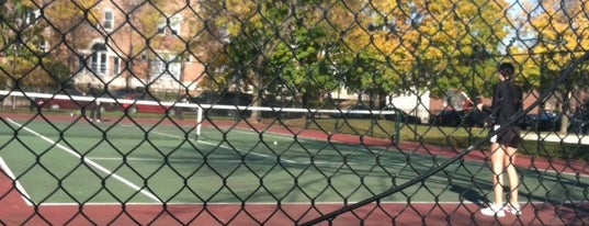 Wrightwood/Sheffield/Lincoln Tennis Courts is one of Posti che sono piaciuti a Wesley.