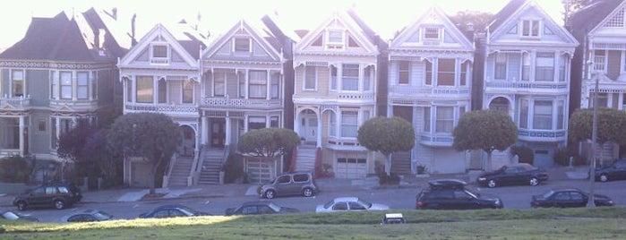 アラモスクエア is one of Ian's San Francisco Treat.