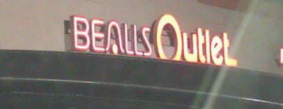 Bealls Outlet is one of Sixto 님이 좋아한 장소.