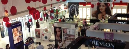 Pune Central Mall is one of Aniruddha'nın Beğendiği Mekanlar.
