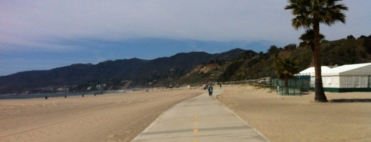 Santa Monica Bike Path is one of Orte, die Chrissy gefallen.