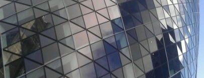 30 St Mary Axe is one of Stuff I want to see and redo in London.
