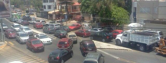 Plaza Universidad is one of Centros Comerciales Guadalajara.