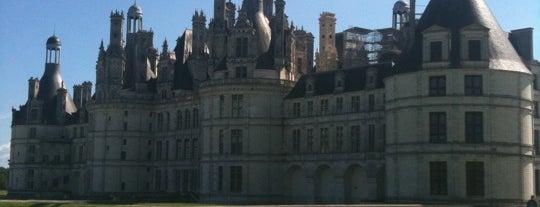 샹보르 성 is one of Châteaux de France.