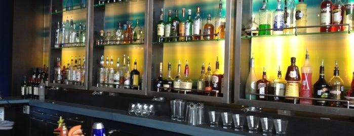 W XYZ Bar is one of Tempat yang Disukai Imtiaz.