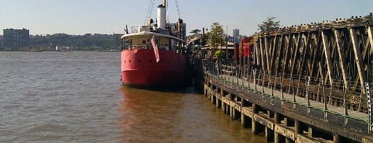 Lightship Frying Pan is one of Bars with Outdoor Space.