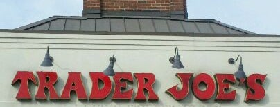 Trader Joe's is one of Lieux qui ont plu à Sam.