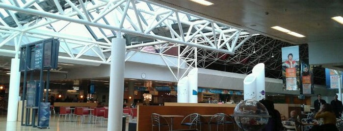 Aeroporto Internacional de Queflavique (KEF) is one of Airports in Europe, Africa and Middle East.