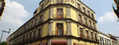 Hotel Francés is one of Lugares historicos en mi vida.