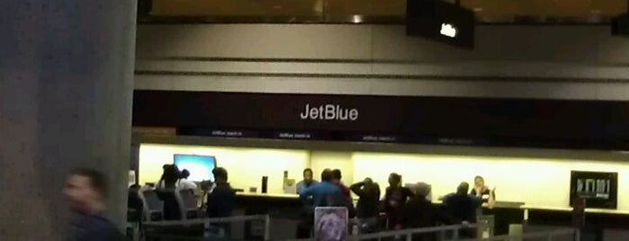 JetBlue Ticket Counter is one of Dan 님이 좋아한 장소.