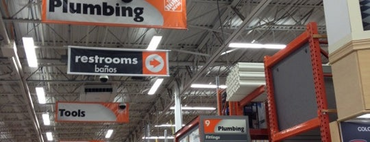 The Home Depot is one of Locais salvos de Joshua.