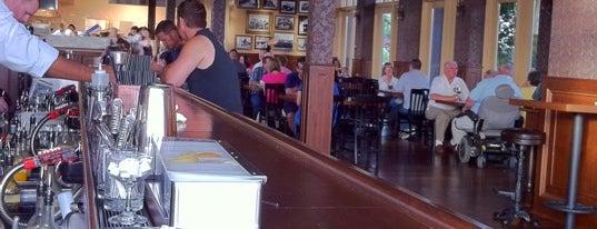 Brewsters Bar & Grill is one of Tempat yang Disukai Tara.