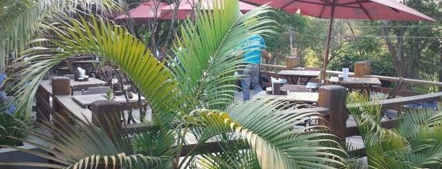 Azure Bar is one of Barzinhos e Pubs.