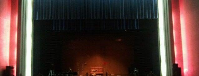 Teatro Victoria is one of Actividades de Ocio en Priego.