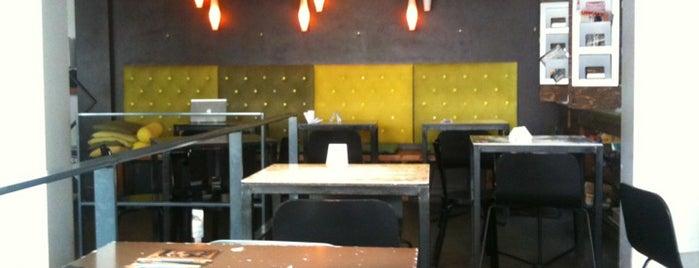 Café de Loge is one of สถานที่ที่ Vincent ถูกใจ.