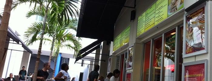 Miami Dade College InterAmerican Campus is one of Lugares favoritos de Héctor.