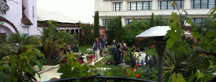 Kensington Roof Gardens is one of London I.