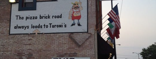 Turoni's Pizzery & Brewery is one of EUA - Leste.