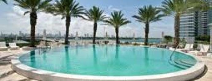 The Icon South Beach is one of Locais curtidos por Hakan.