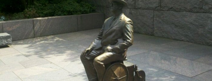 Franklin Delano Roosevelt Memorial is one of Places that are checked off my Bucket List!.