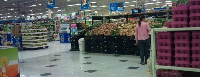 Walmart is one of Lieux qui ont plu à Alenis.