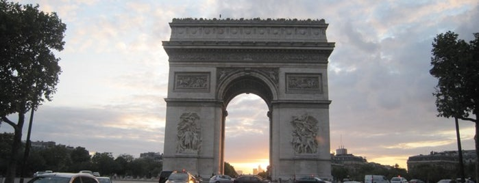 Place Charles de Gaulle – Place de l'Étoile is one of  Paris Sightseeing .