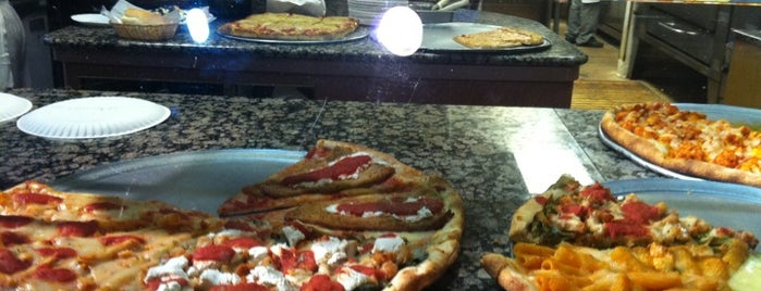 Woodbury Pizza is one of Rachel : понравившиеся места.
