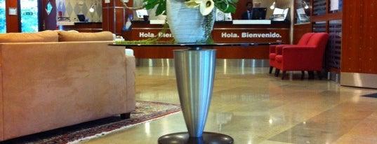 Hotel NH Luxembourg is one of สถานที่ที่ Ozgun ถูกใจ.