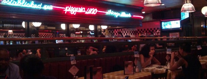 Uno Pizzeria & Grill - Forest Hills is one of Lugares favoritos de Ricardo.