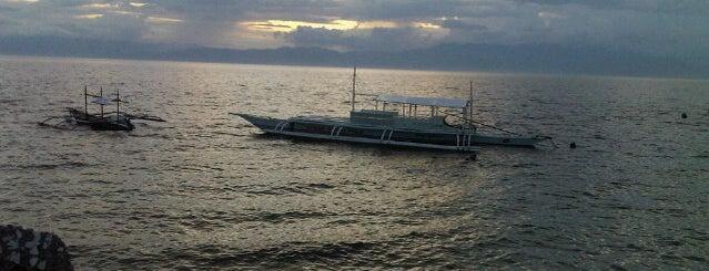 Panagsama Beach is one of Tempat yang Disukai Kunal.